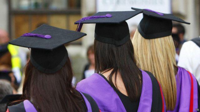 Cтудентки-выпускницы