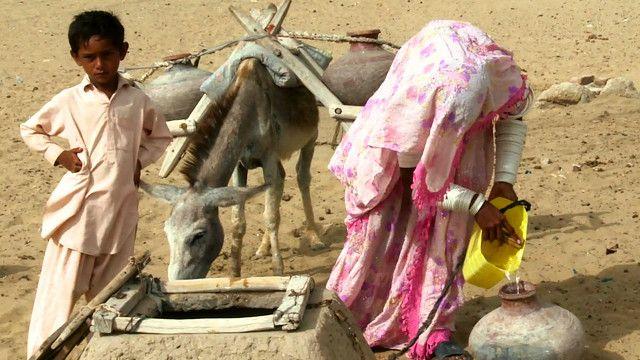 पाकिस्तान, सिंध, थर पारकर, पानी, किल्लत, टंकियों पर ताले