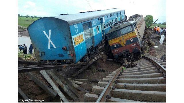 انڈیا میں ٹرینوں کا حادثہ