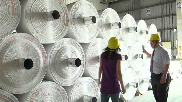 На фабрике по производству бумаги из камня
