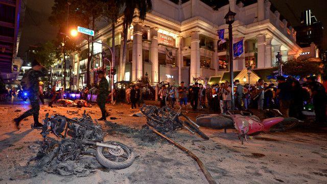 Nổ bom ở trung tâm Bangkok
