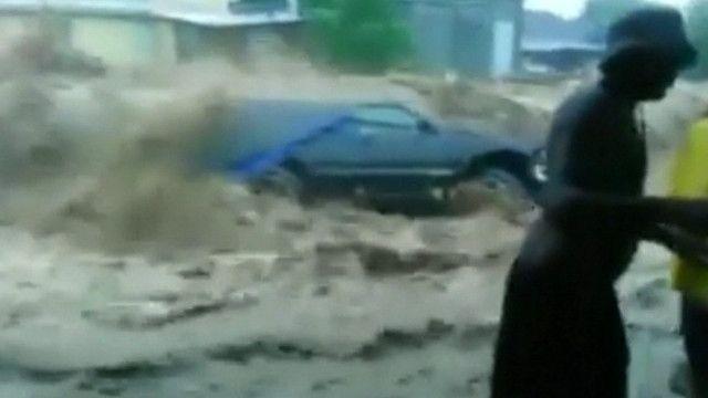 Enchente na Dominica