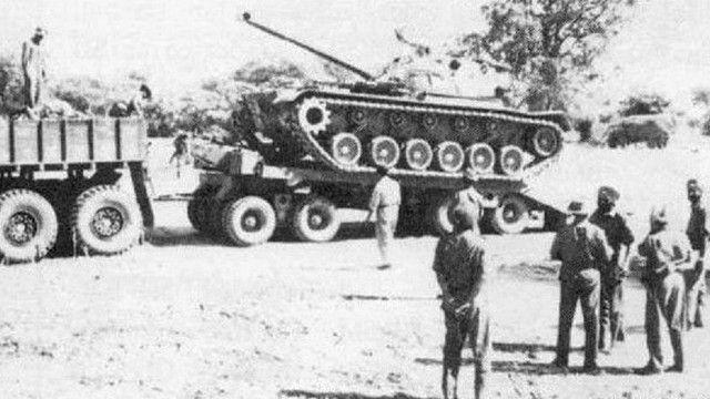 1965 के युद्ध में मोर्चे पर भारतीय सेना के जवान