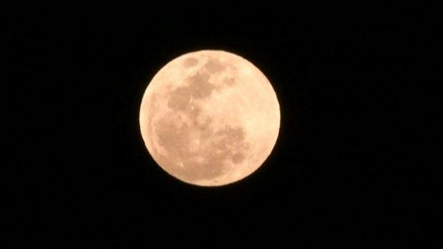 Siêu trăng, hay còn gọi là Trăng máu