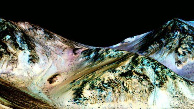 Entenda como pode haver água em estado líquido em Marte