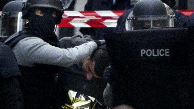 Задержание подозреваемых в Париже