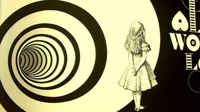 "Выставка ""Алиса в стране чудес"""