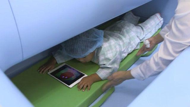 """Ребенок в """"детском сканере"""""""