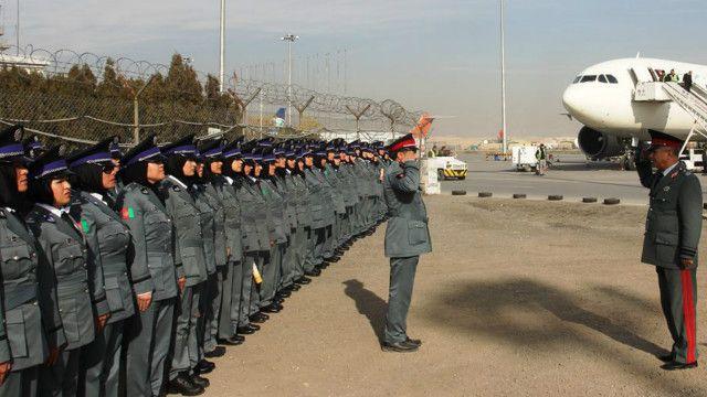 صدها پولیس زن فعالیت خود را در ساختار پولیس ملی افغانستان آغاز کردند