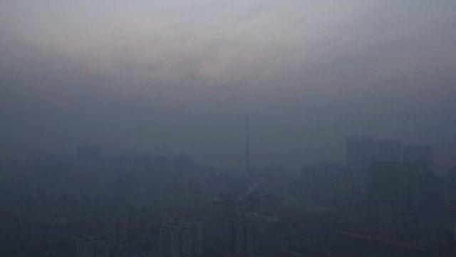 Khói mù bao phủ thủ đô Bắc Kinh của Trung Quốc