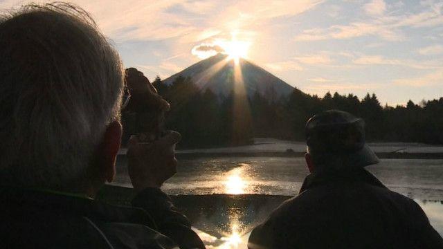 Восход солнца над вулканом Фудзи