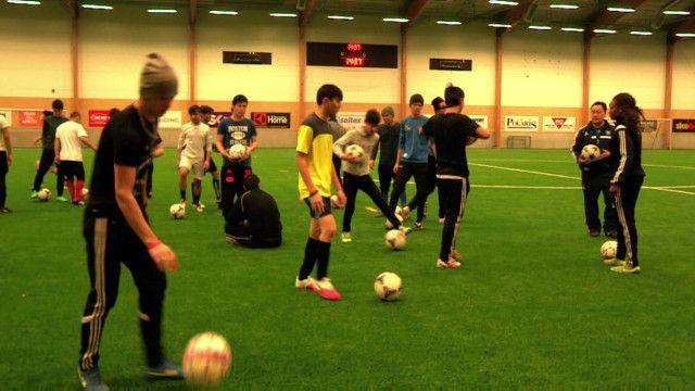 sweden_migrants_football