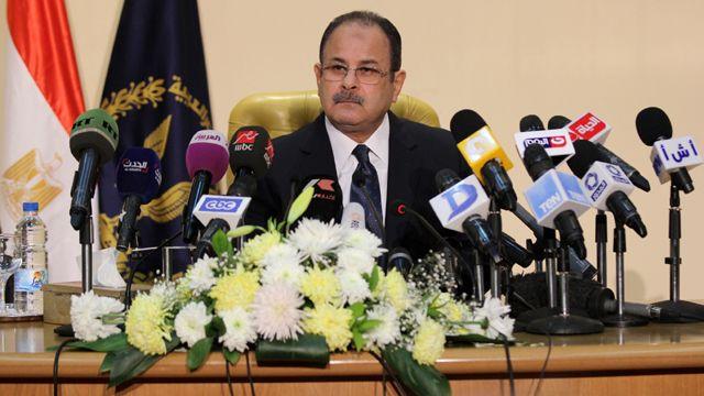 وزير داخلية مصر يتهم الإخوان وحماس باغتيال النائب العام