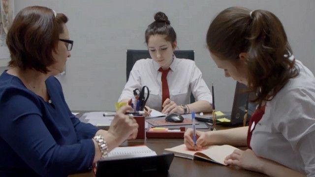 Школьники в кабинете замдиректора