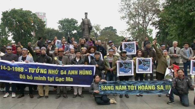 Biểu tình tuần hành tại Hà Nội kỷ niệm trận hải chiến Gạc Ma 14/3/1988