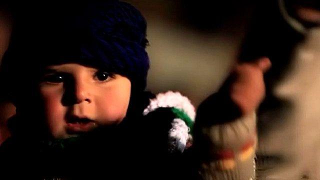 Ребенок на акции протеста в Сирии
