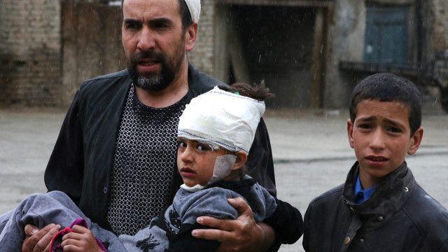 کابل کے مرکزی علاقے میں ایک خودکش دھماکے میں 28 افراد ہلاک اور سوا تین سو سے زیادہ زخمی ہوئے ہیں