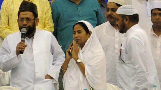 مغربی بنگال کی وزیر اعلیٰ ممتا بینرجی الیکشن ریلی کے دوران