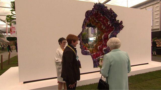 Квіти і королева - у Челсі стартує виставка