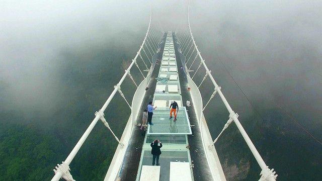 Cầu có đường đi làm bằng kính