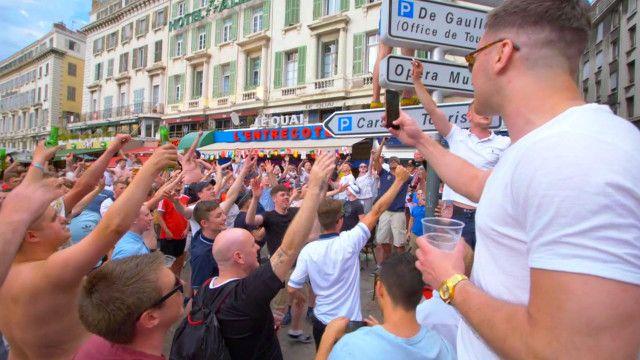 Английские болельщики в Марселе