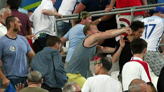 Столкновения на стадионе