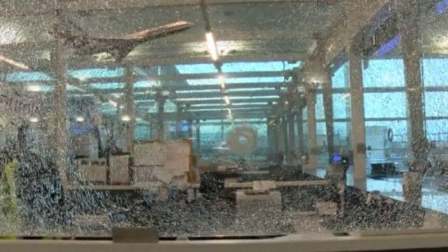 Quang cảnh sau vụ nổ bom tại sân bay Ataturk ở Istanbul