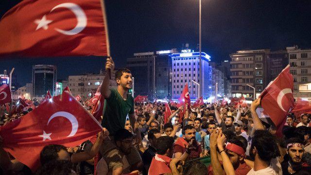 هشتهزار مأمور پلیس ترکیه اخراج شدند