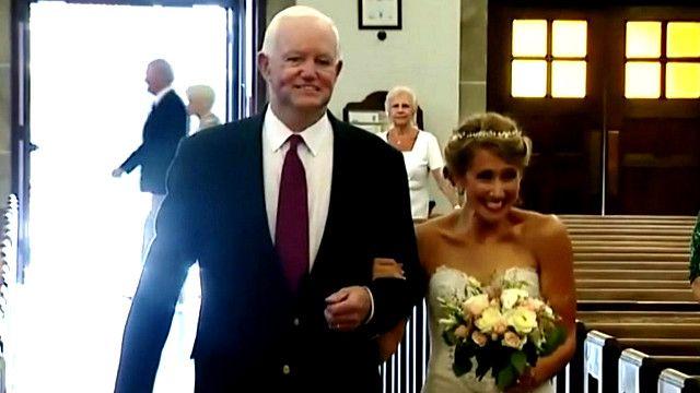 Jenny Stepien và ông Arthur Thomas, người mang trái tim của cha cô