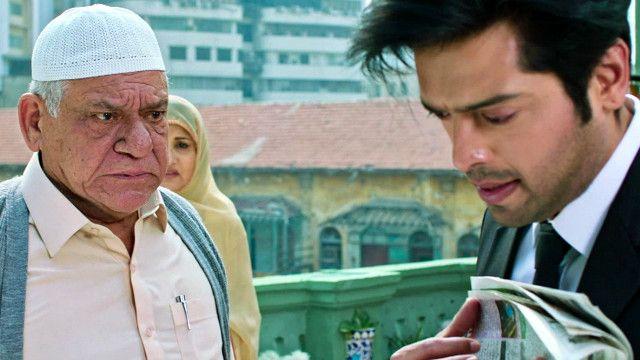 اوم پوری پاکستانی فلم 'ایکٹر ان لاء' کے ایک منظر میں
