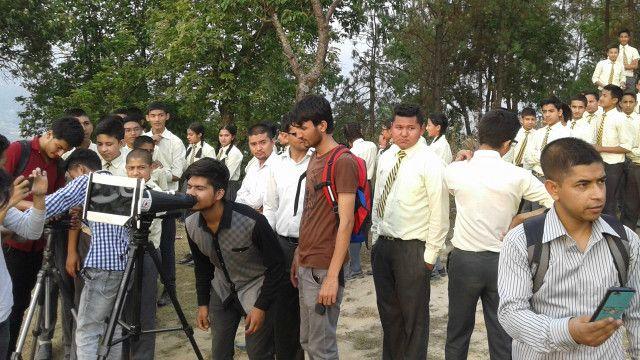 विद्यार्थीहरु