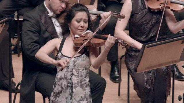 加拿大籍华裔明星小提琴家侯以嘉