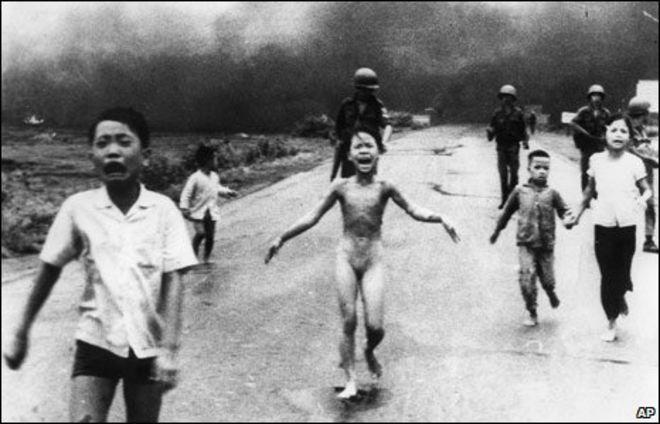 Необычные позы с вьетнамкой — photo 13