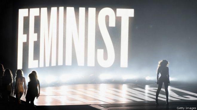423ed66e965 Женщины в России  между феминизмом и патриархатом  - BBC News ...