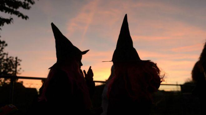 24217a01bbe84 A curiosa origem do Dia das Bruxas - BBC News Brasil