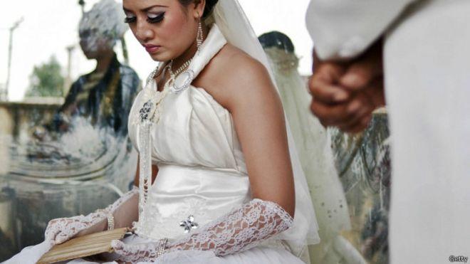 Dikritik putusan MK soal usia minimal perempuan menikah - BBC ...