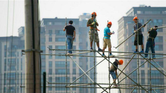 Trabajadores de la construcción en China