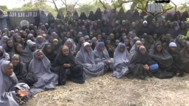 Resultado de imagem para meninas sequestradas Boko Haram