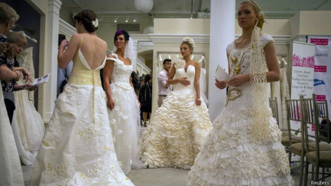 un vestido de novia de papel higiénico gana premio de us$10.000
