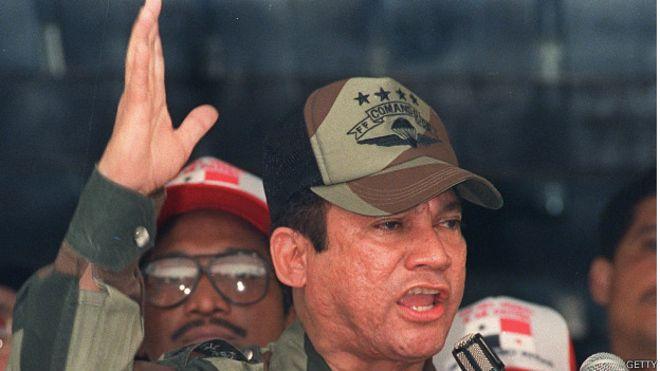 Manuel Antonio Noriega em 1988 quando era comandante das Forças de Defesa do Panamá