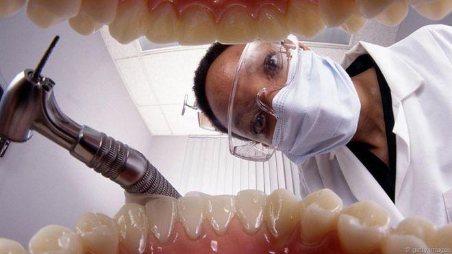 9 consejos prácticos para cuidar tus dientes - BBC News Mundo 370dac4d0387