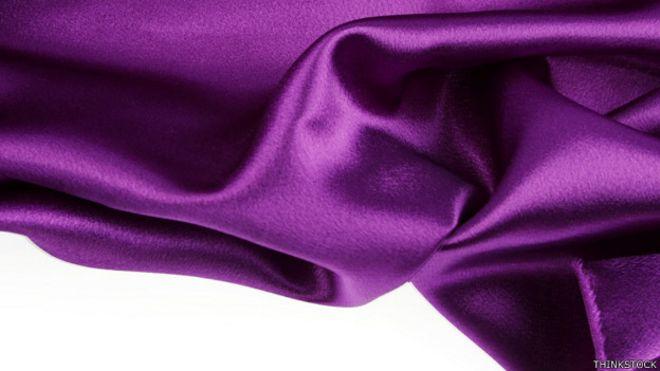 Seda color púrpura