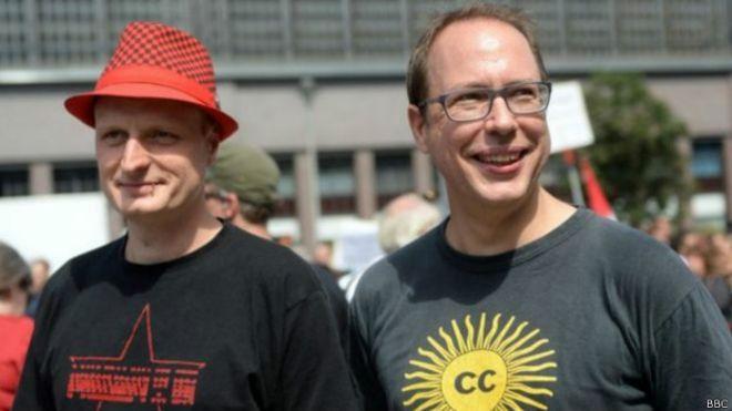 Los periodistas alemanes Meister y Beckedahl