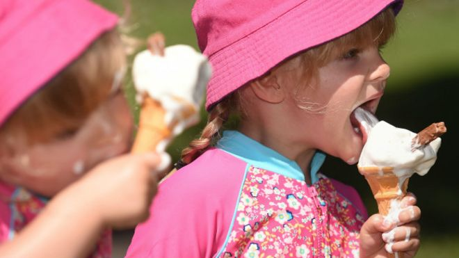 Resultado de imagen para comer helados derretidos