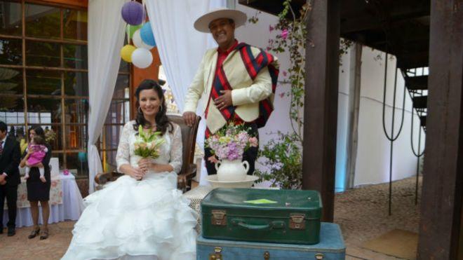 Como alemã se casou com um dos mineiros do Chile após contactá-lo ... b0acbb6db0967