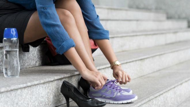 Tan Populares News Los Por Zapatos Volvieron Deportivos Bbc Qué Se OkZXTuPi
