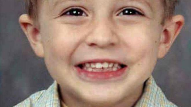 7959e07063 El niño desaparecido durante 13 años que encontraron viviendo en la casa de  su padre
