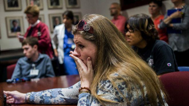 Melissa Mays, demandante