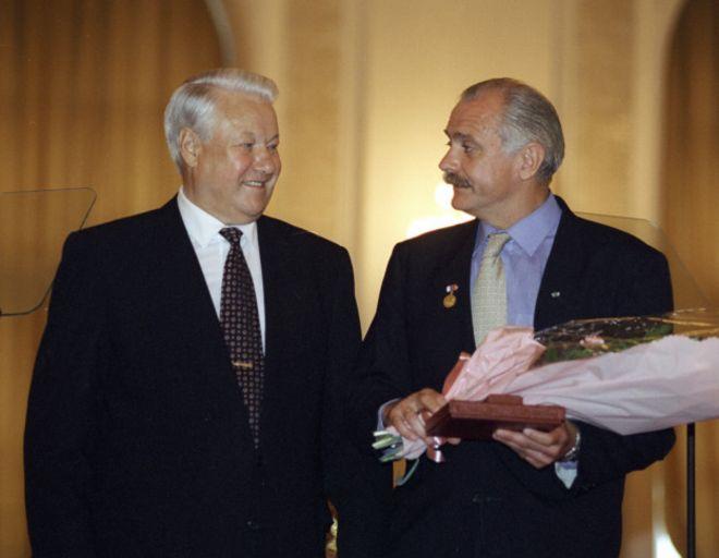 Из-за чего поссорились Ельцин с Горбачёвым