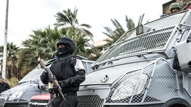 305b222c1 مصر: إحالة شرطي قتل بائعا بسبب سعر مشروب إلى محكمة الجنايات - BBC ...